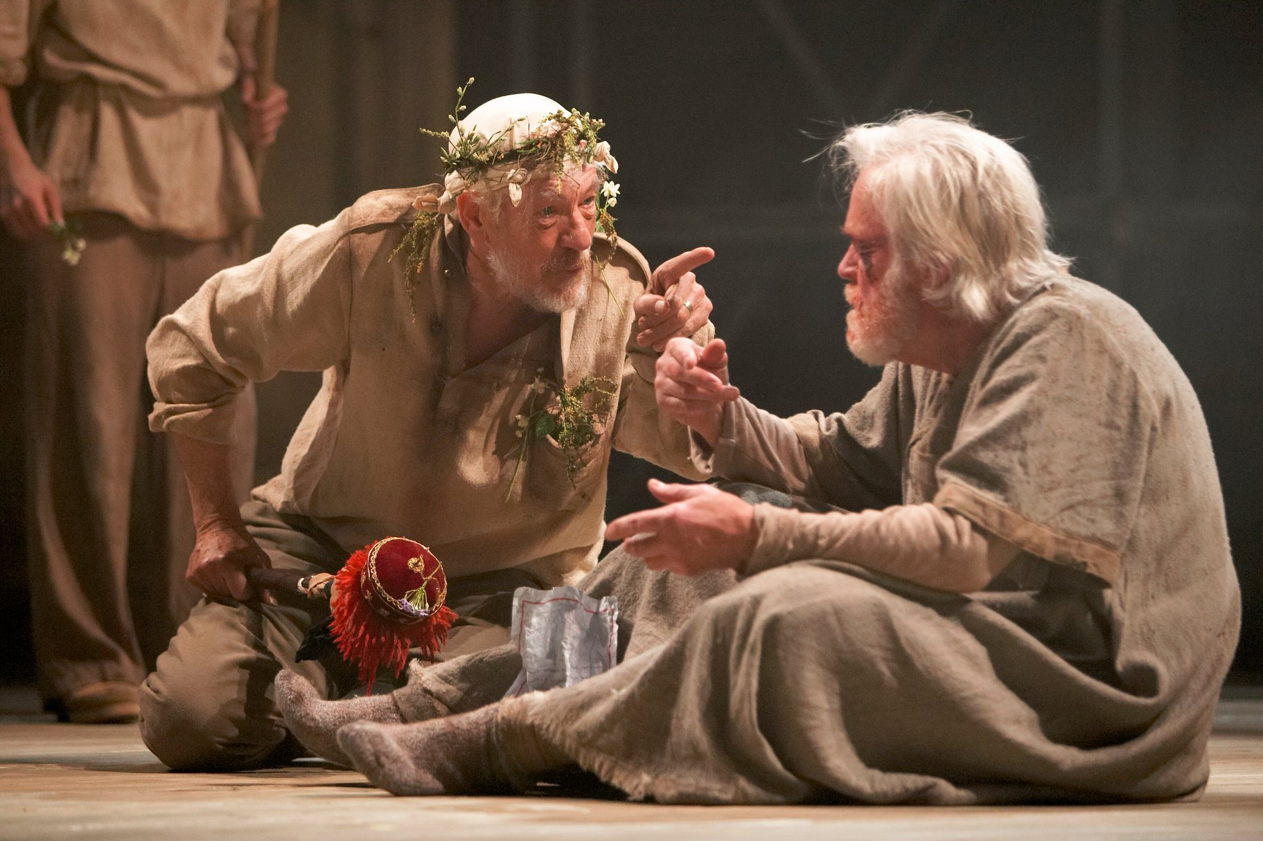 """an analysis of the two critical scenes in shakespeares play king lear A discussion of how the first two scenes of shakespeare's """"king lear"""" are pivotal in influencing the plot of the play """"king lear, as i see it, confronts the."""