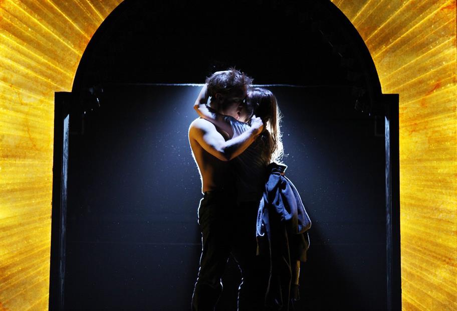 Romeo_and_Juliet_2010_Ellie_Kurttz_c_RSC_rom-ek-2010-03-12.rom299