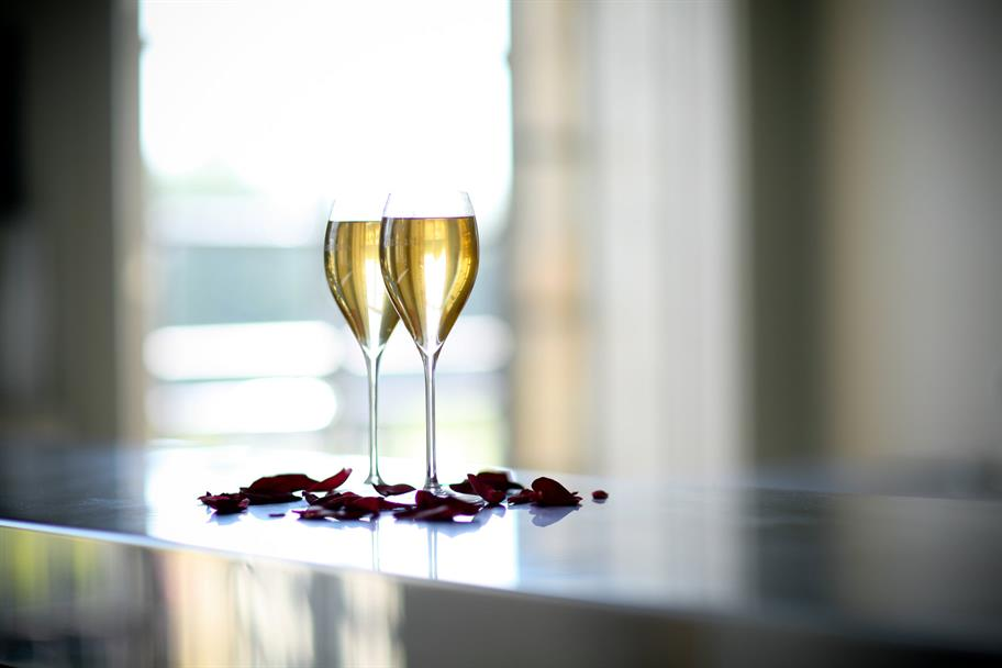 Photo of two champagne glasses in the Circle Bar