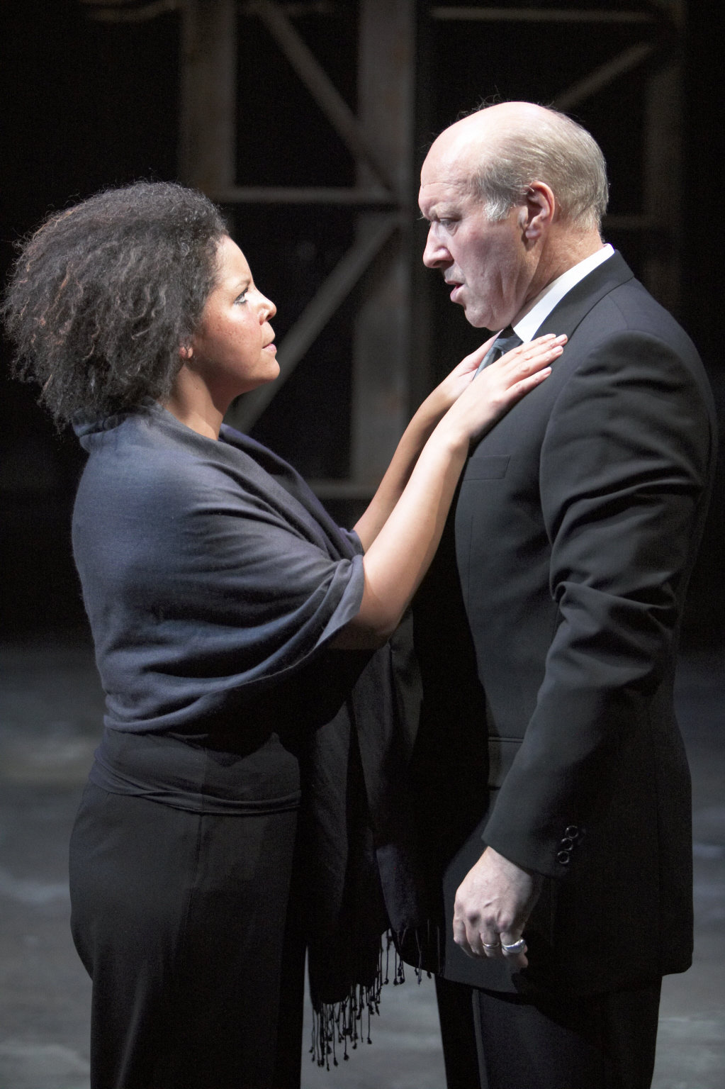 Calphurnia talks to Caesar in the 2004 production of Julius Caesar.