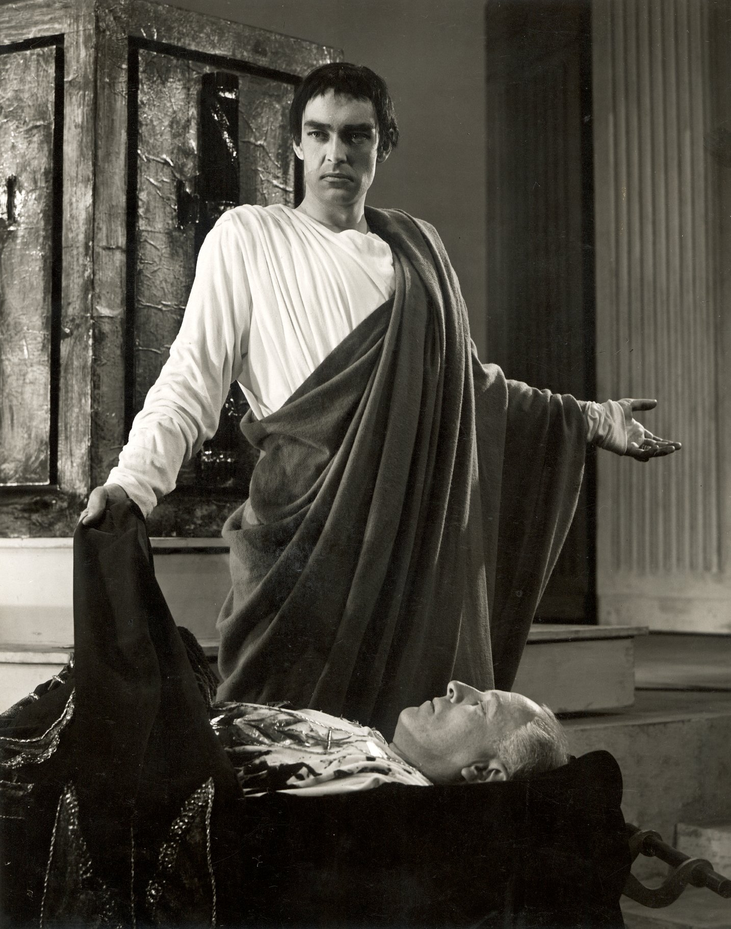 Mark Antony standing over the body of Julius Caesar