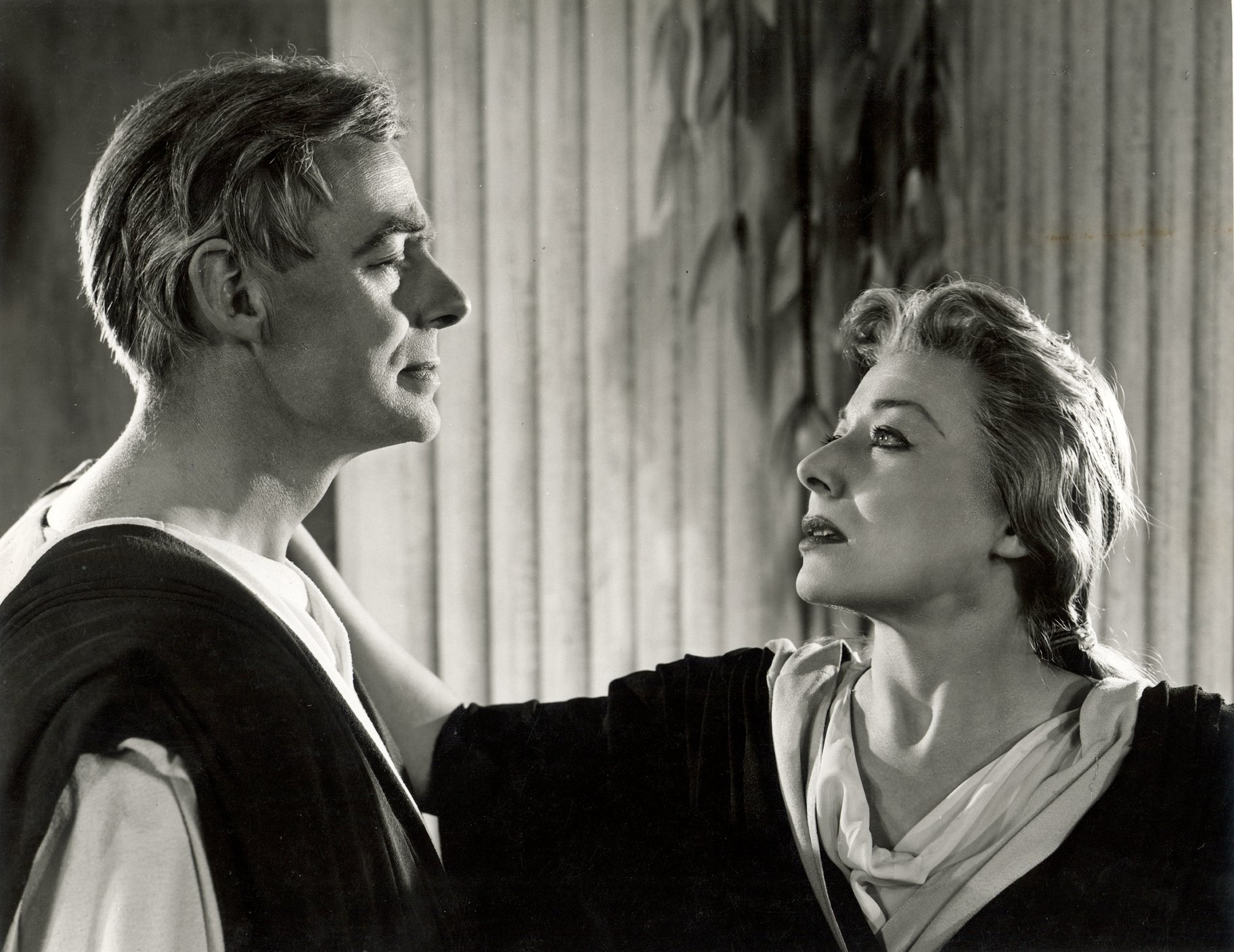 Portia places her hand on  Brutus' shoulder in the 1957 production of Julius Caesar.