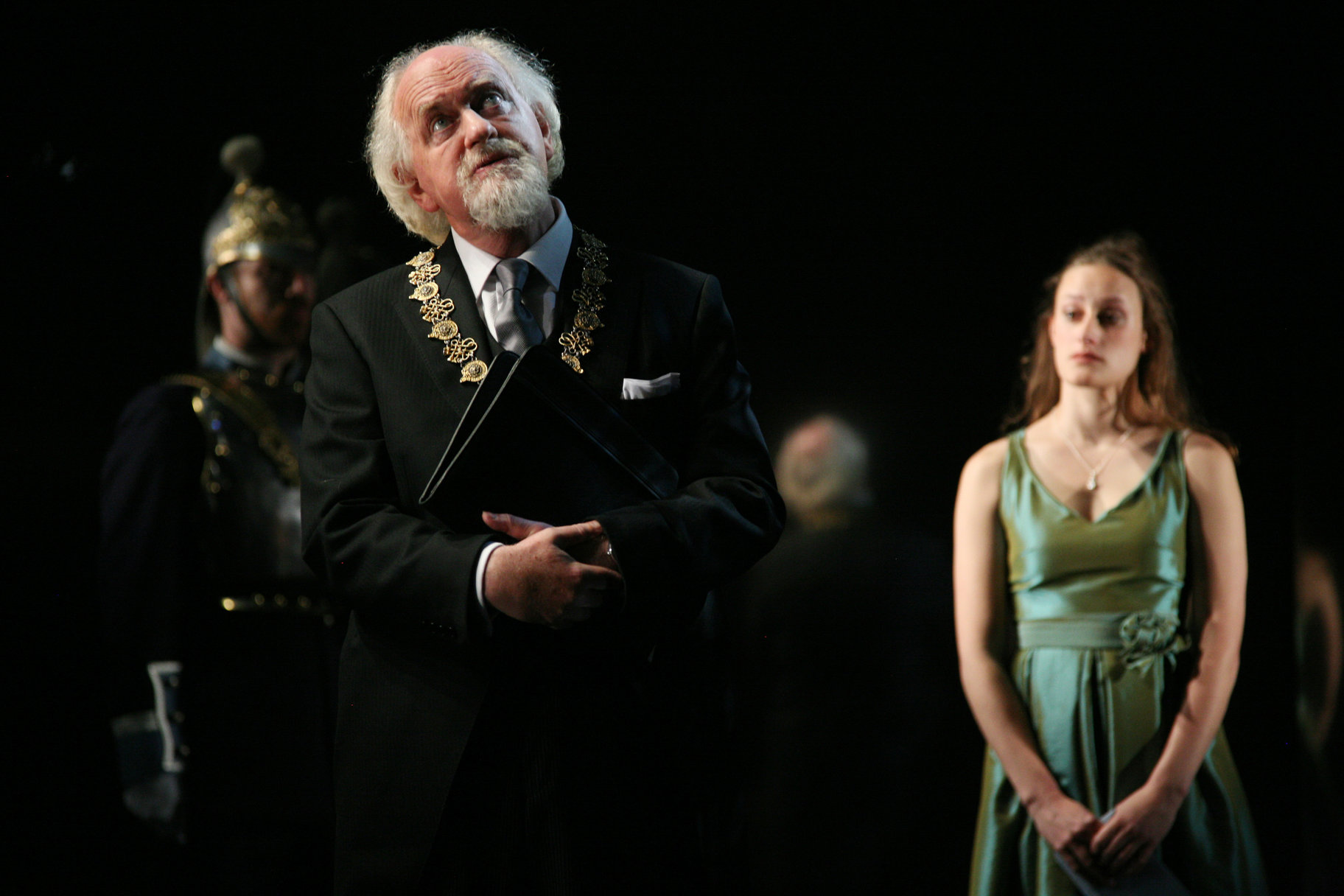 Hamlet_ 2008_ Polonius and Ophelia_2008_Photo by Ellie Kurttz _c_ RSC_111844