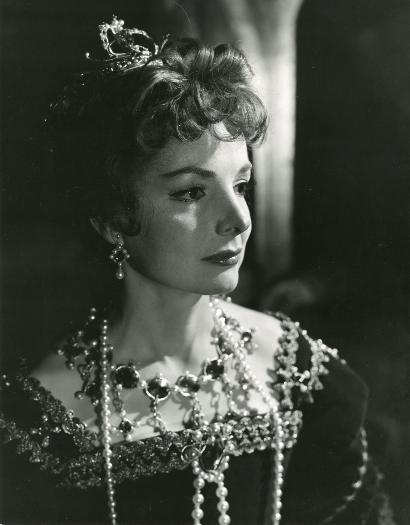 Elizabeth Sellars as Gertrude.
