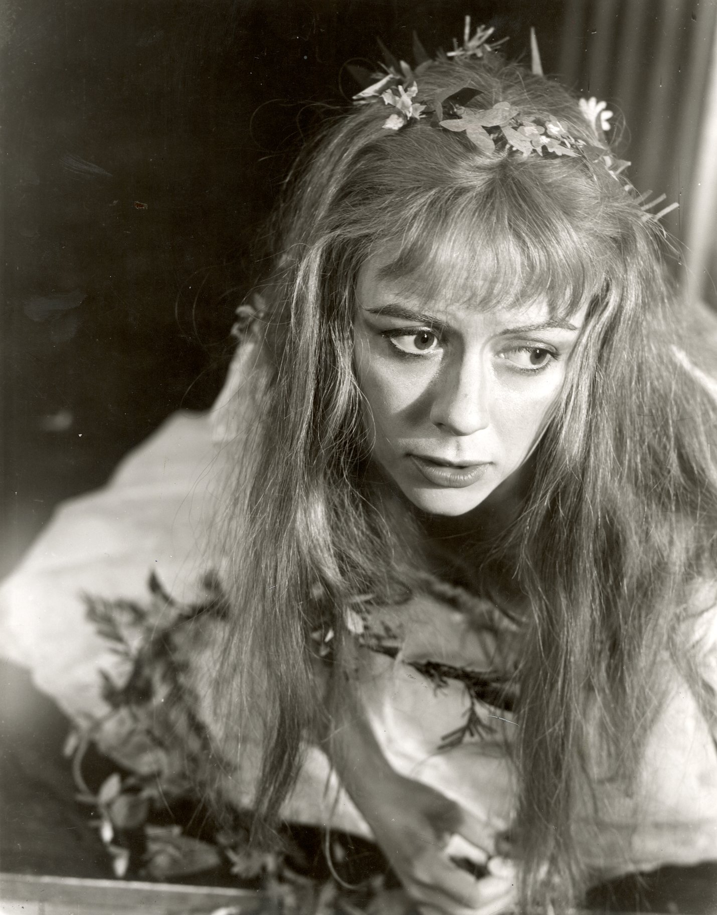 Dorothy Tutin as Ophelia with flowers in her hair.