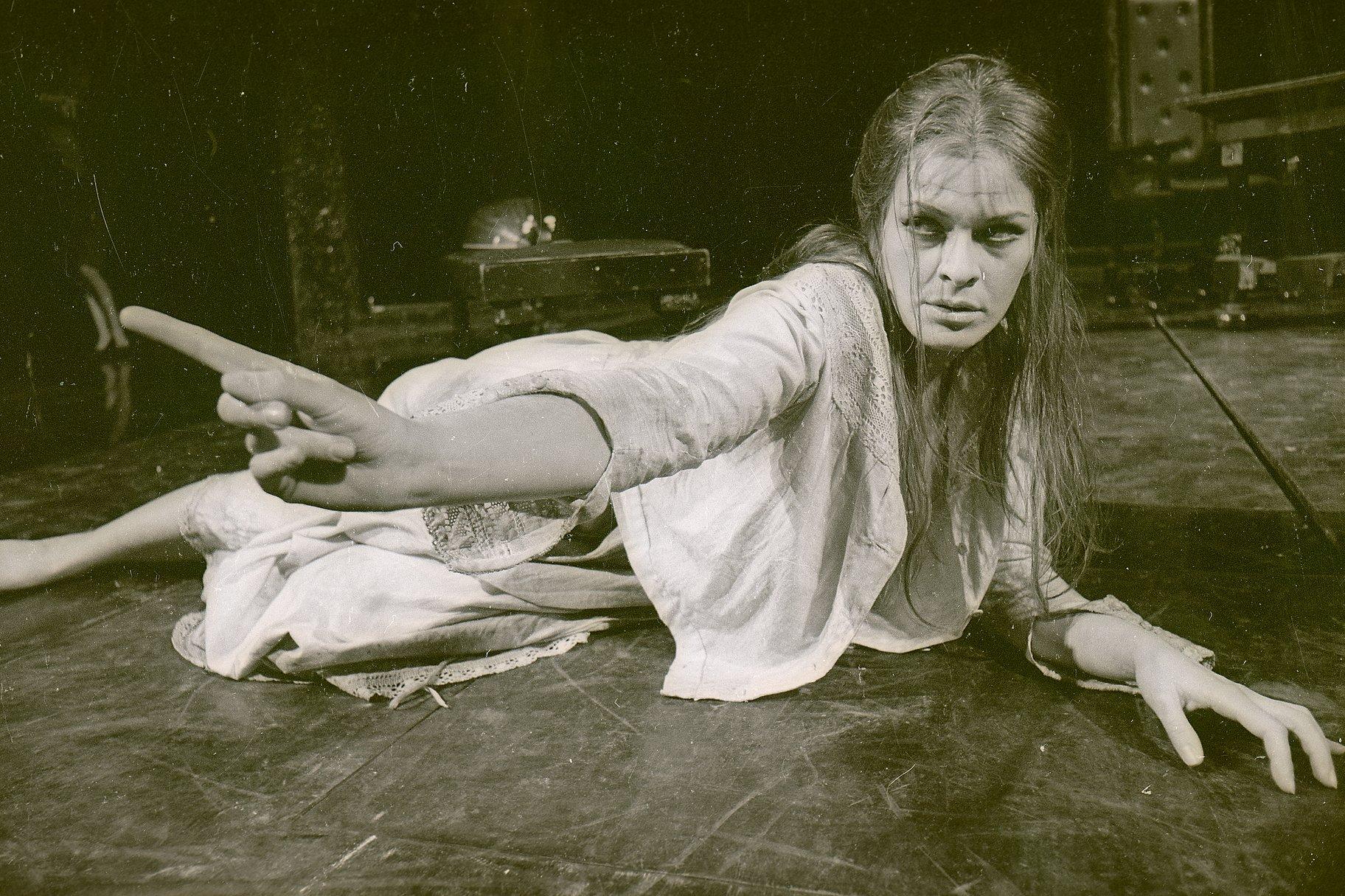 Janet Suzman as Ophelia.