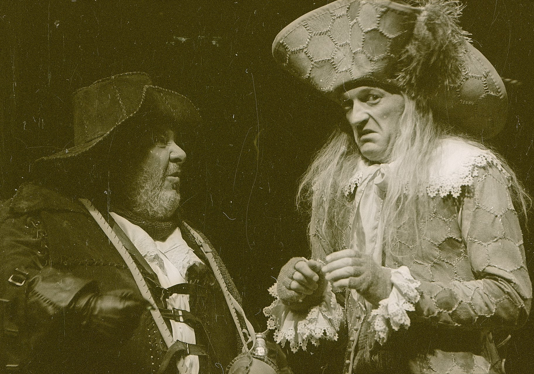 Sir Toby (right) and Sir Andrew (left) in conversation
