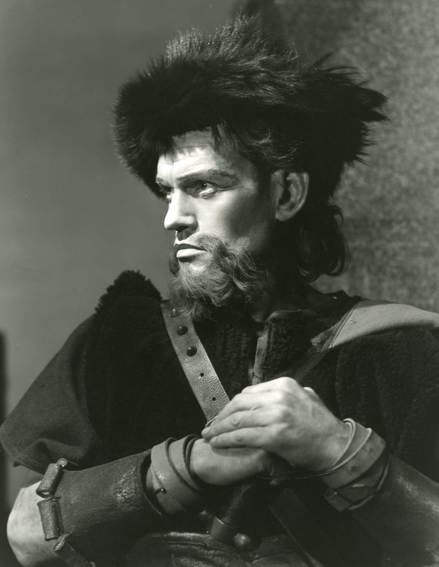 Harry Andrews as Macduff.