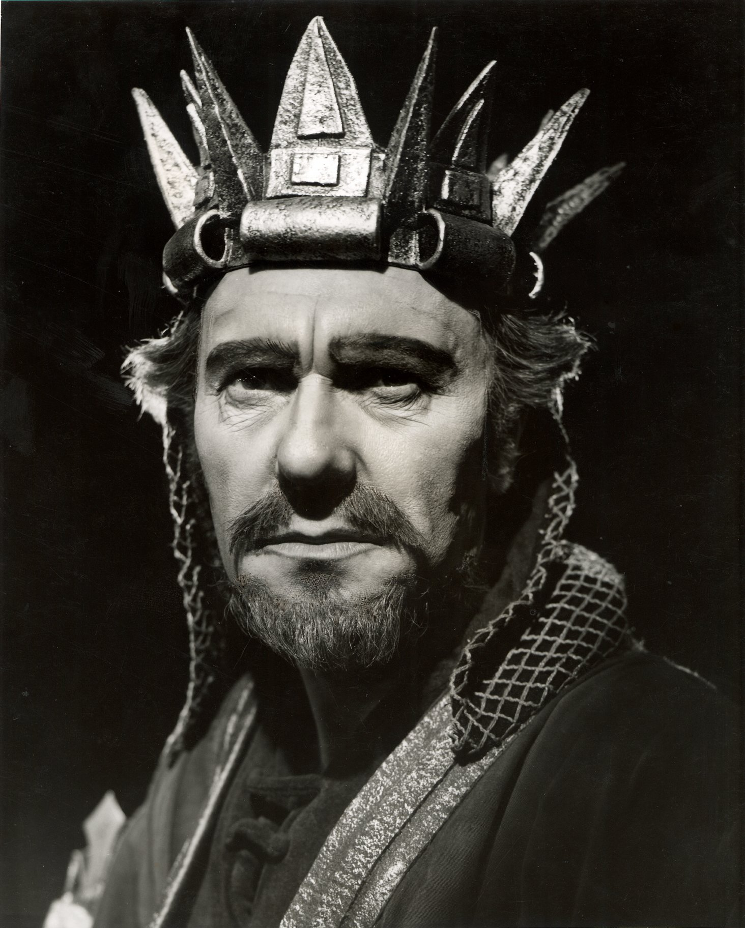 Ralph Richardson as Macbeth.