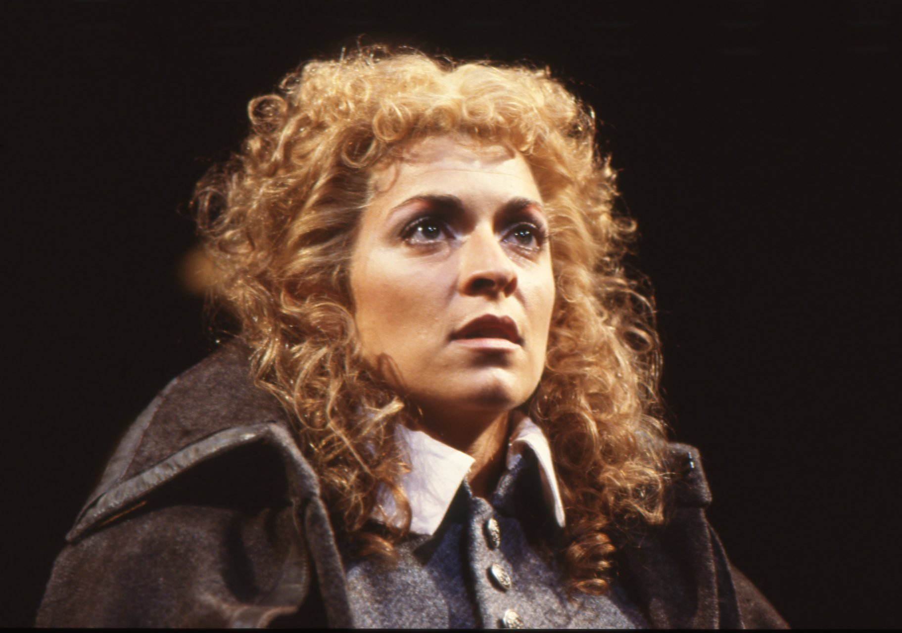 Suzanne Bertish as Desdemona.