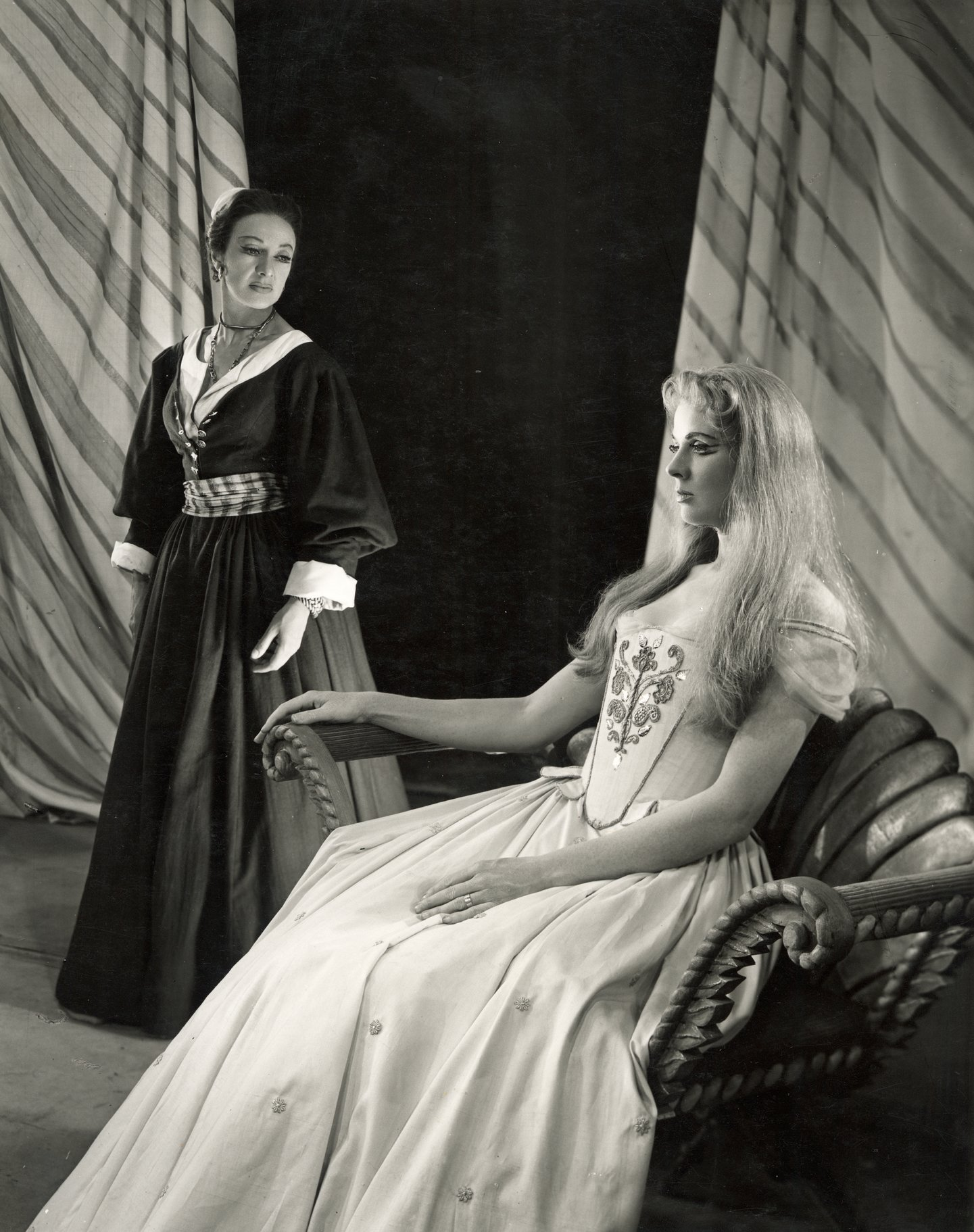 Othello_ 1956_  Emilia and Desdemona_1956_Photo by Angus McBean _c_ RSC_33404