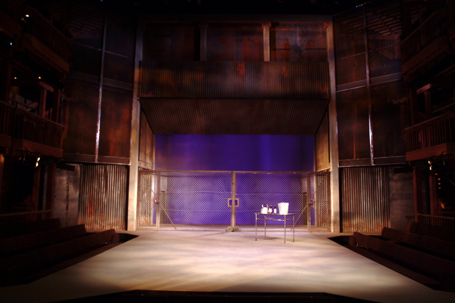 The 2004 set designed by Stephen Brimson Lewis.