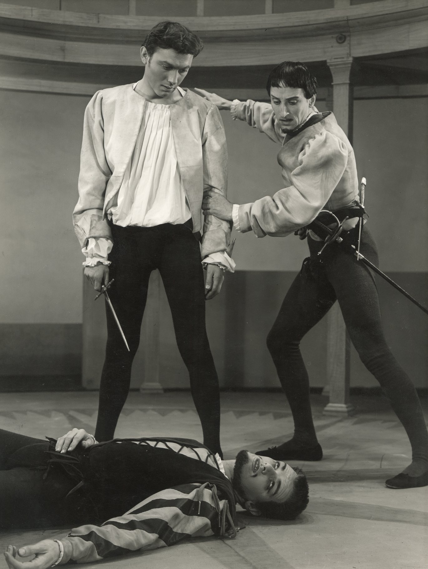 Benvolio tells Romeo to flee after killing Tybalt.