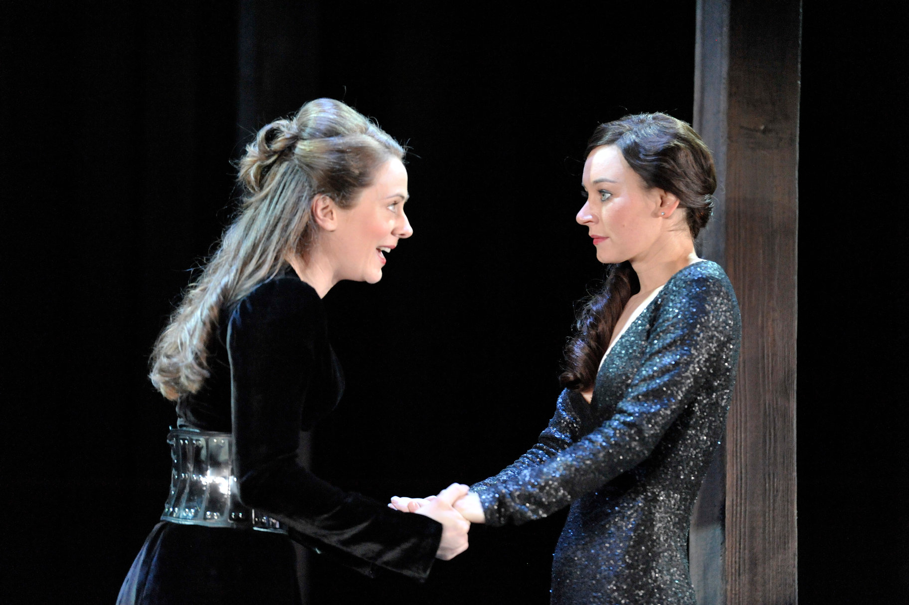 Celia and Rosalind in formal court dress.