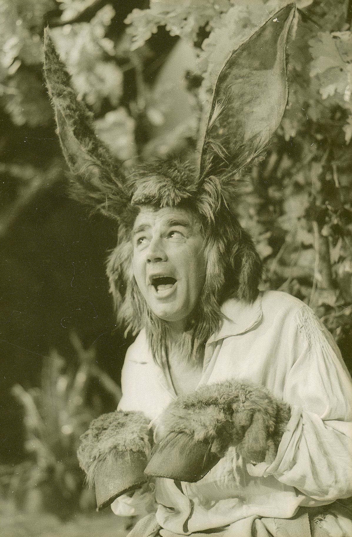 A Midsummer Night_s Dream_ 1963_ Bottom_1963_Photo by Reg Wilson _c_ RSC_66950