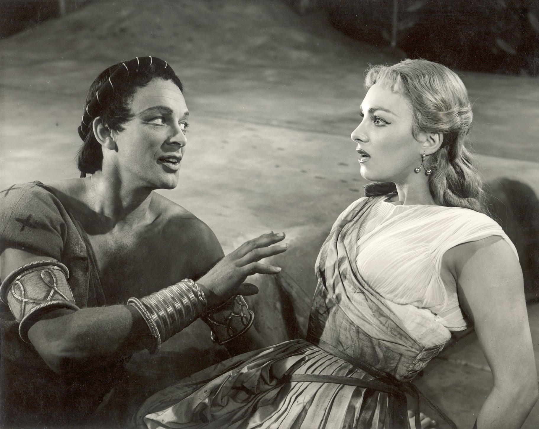 A Midsummer Night_s Dream_ 1954_ Lysander and Helena_1954_Photo by Angus McBean _c_ RSC_26662