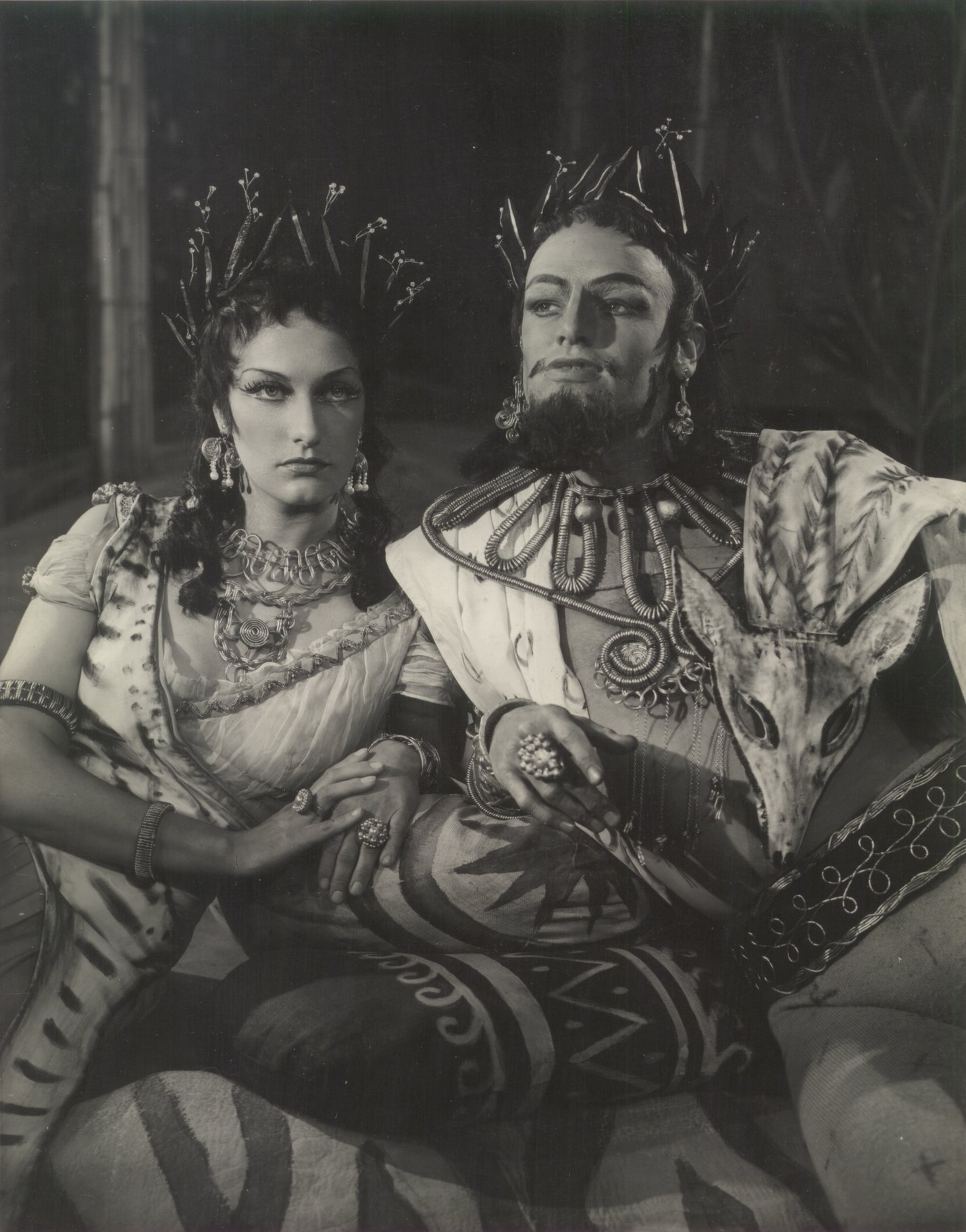 A Midsummer Night_s Dream_ 1954_ Hippolyta and Theseus._Photo by Angus McBean _c_ RSC_73826