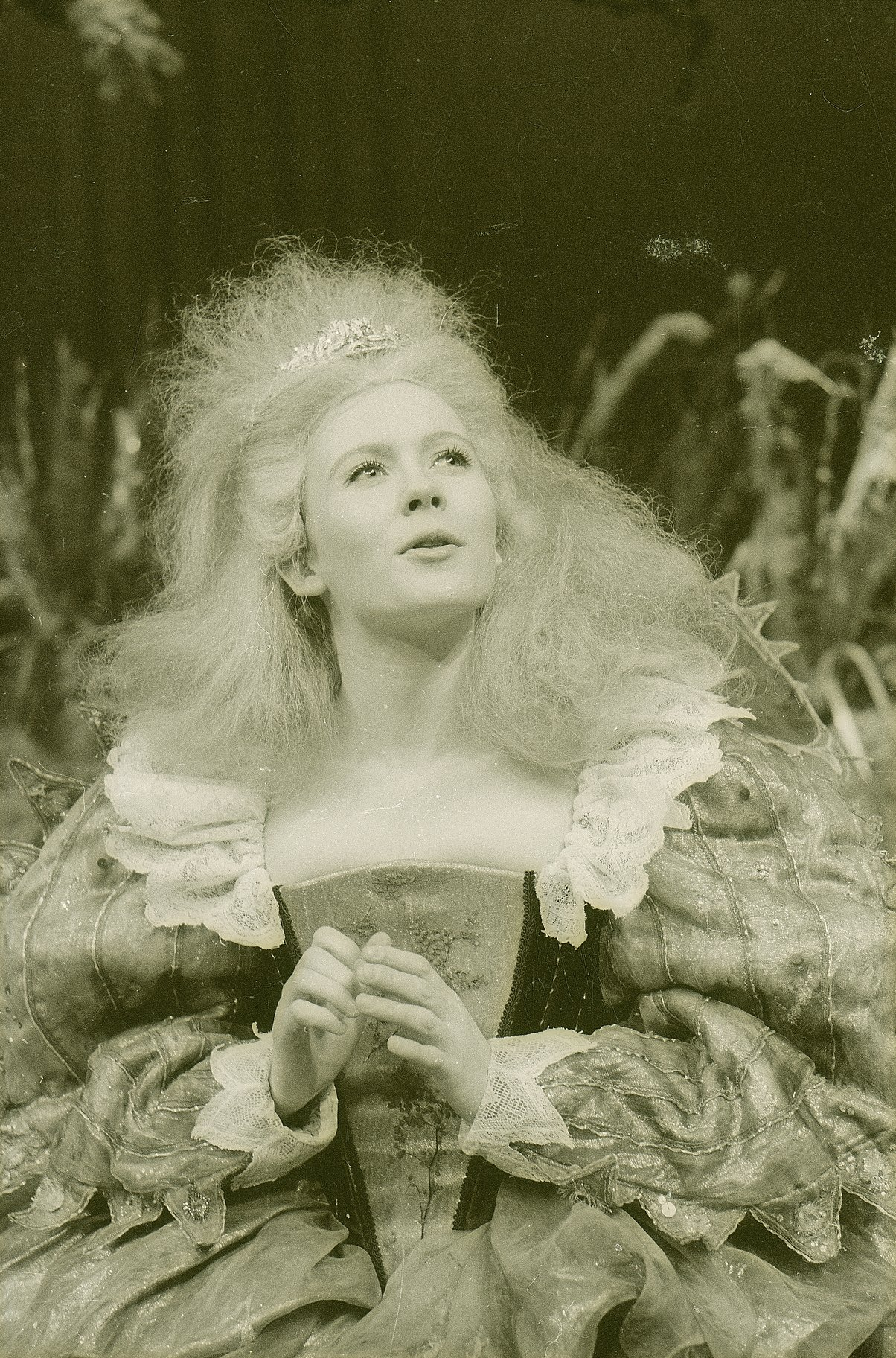 A Midsummer Night_s Dream_ 1963_ Titania_1963_Photo by Reg Wilson _c_ RSC_66917