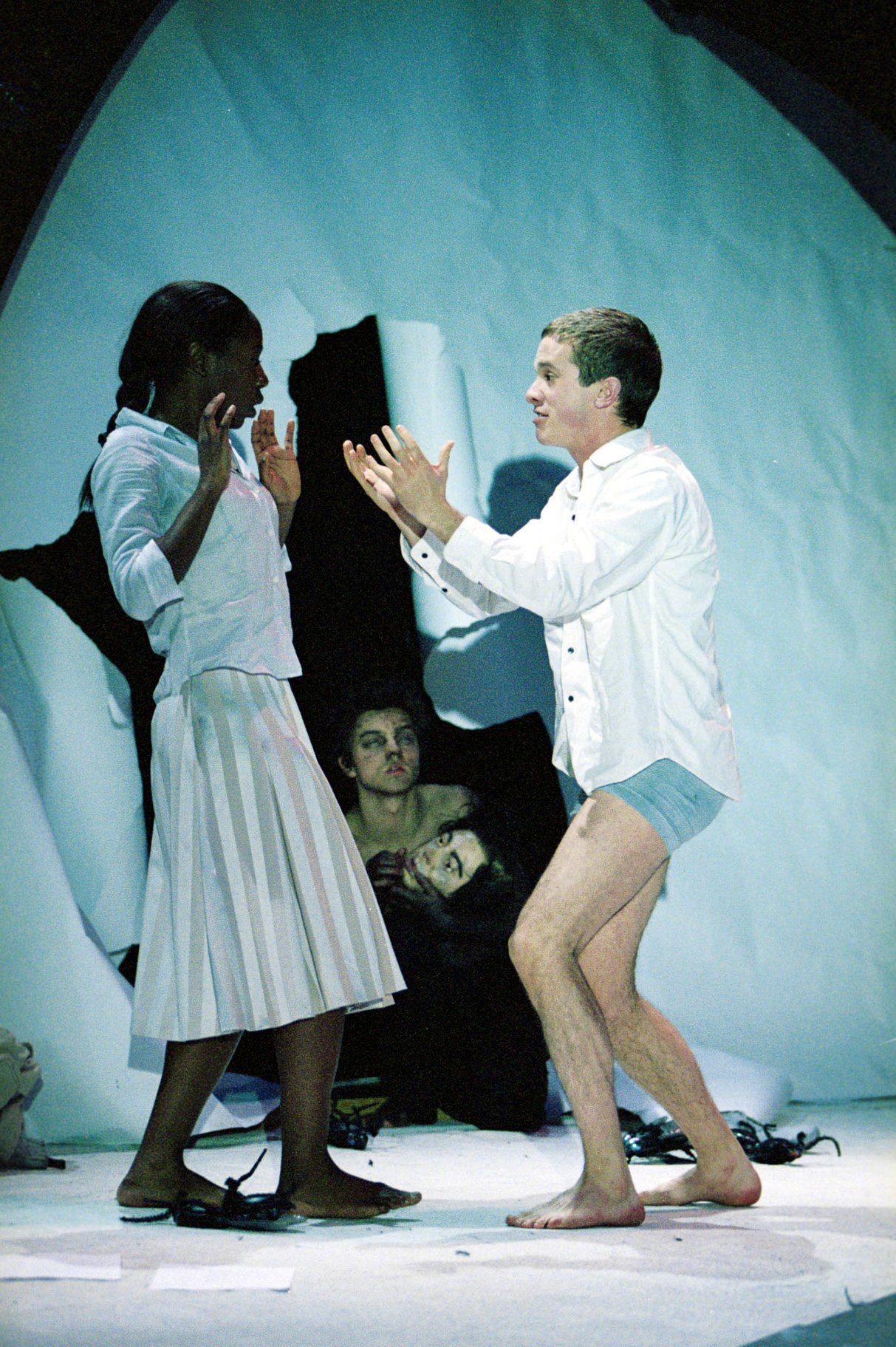 A Midsummer Night_s Dream_ 2002_ Helena_ Demetrius and Puck_2002_Photo by Manuel Harlan _c_ RSC_103708