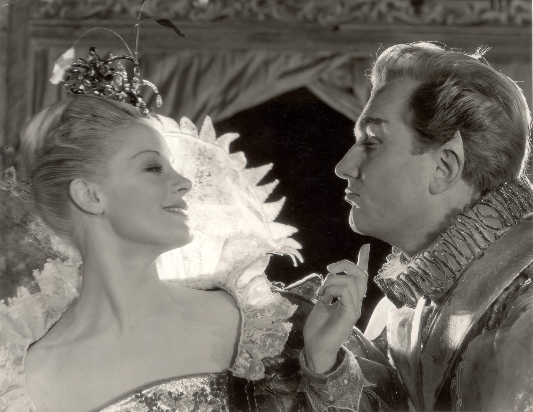 A Midsummer Night_s Dream_ 1959_  Oberon and Titania argue_1959_Photo by Angus McBean _c_ RSC_27616