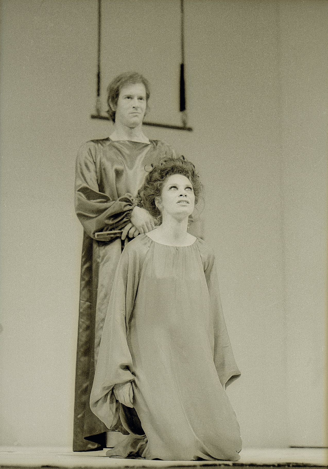 A Midsummer Night_s Dream_ 1970_  Oberon and Titania_1970_Photo by Reg Wilson _c_ RSC_66717