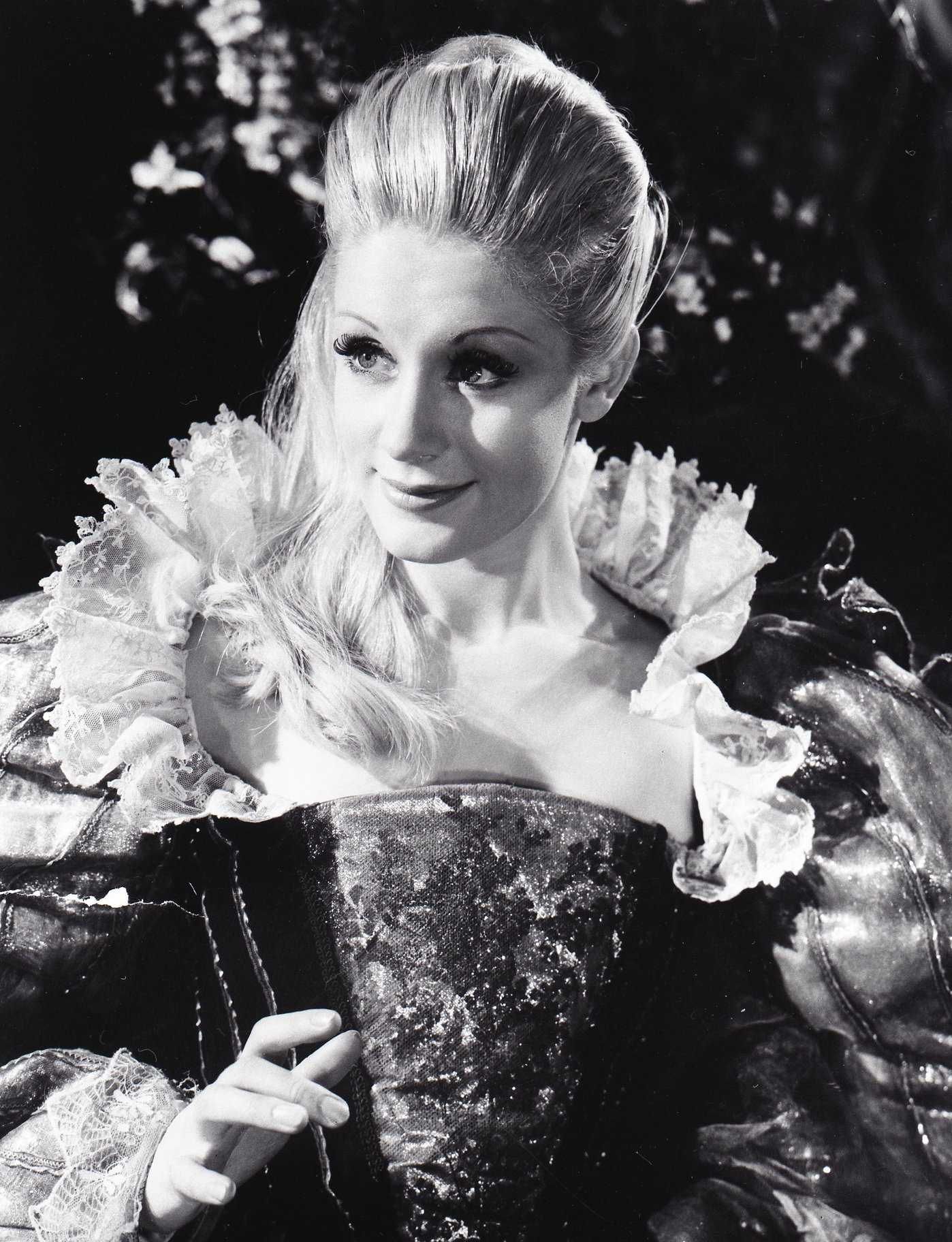 A Midsummer Night_s Dream_ 1959_ Mary Ure as Titania_1959_Photo by Angus McBean _c_ RSC_273313
