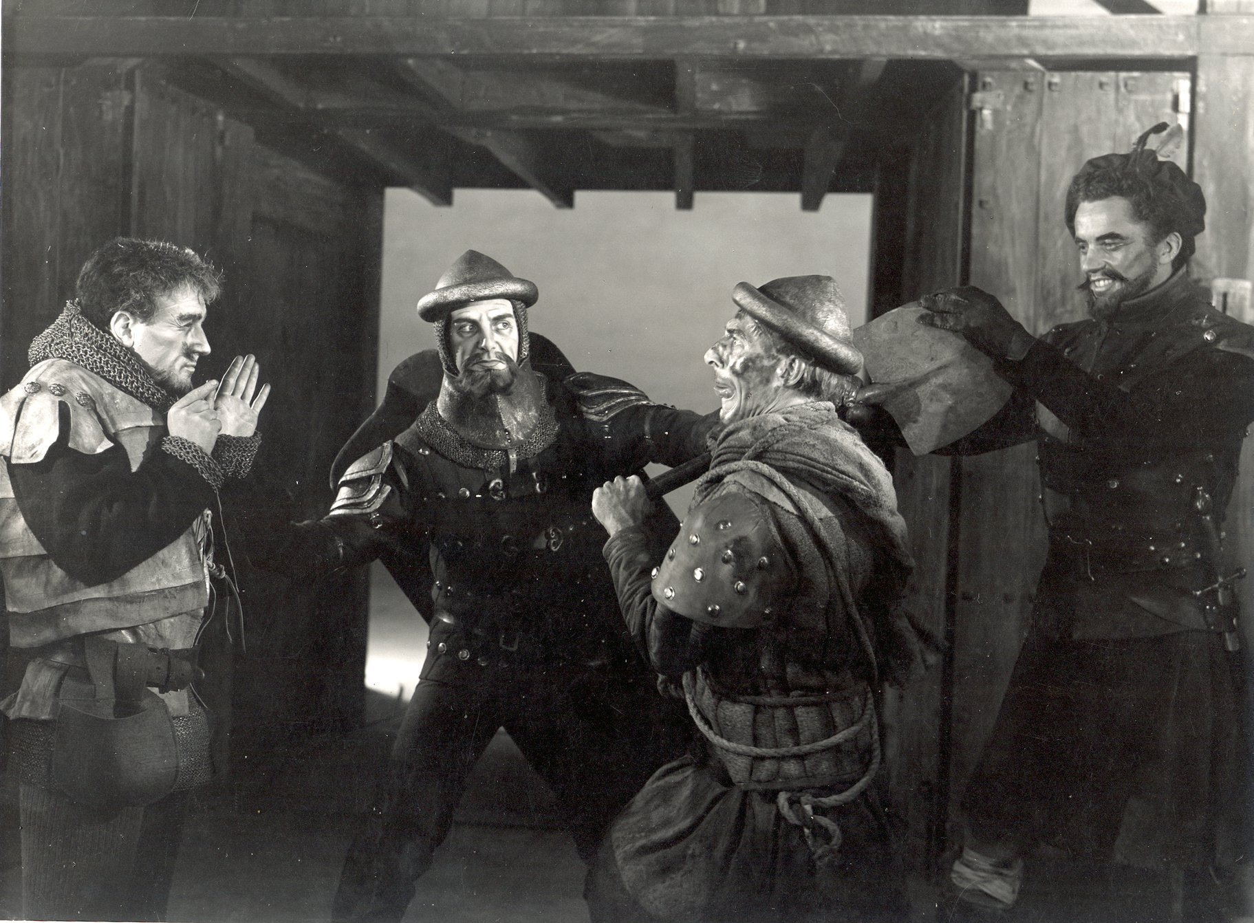 Henry V_ 1951_ Fluellen and MacMorris quarrel_1951_Photo by Angus McBean _c_ RSC_120272