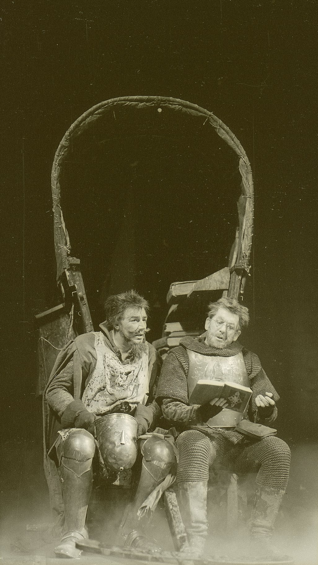 Henry V_ 1965_ Pistol and Fluellen_1965_Photo by Reg Wilson _c_ RSC_57293