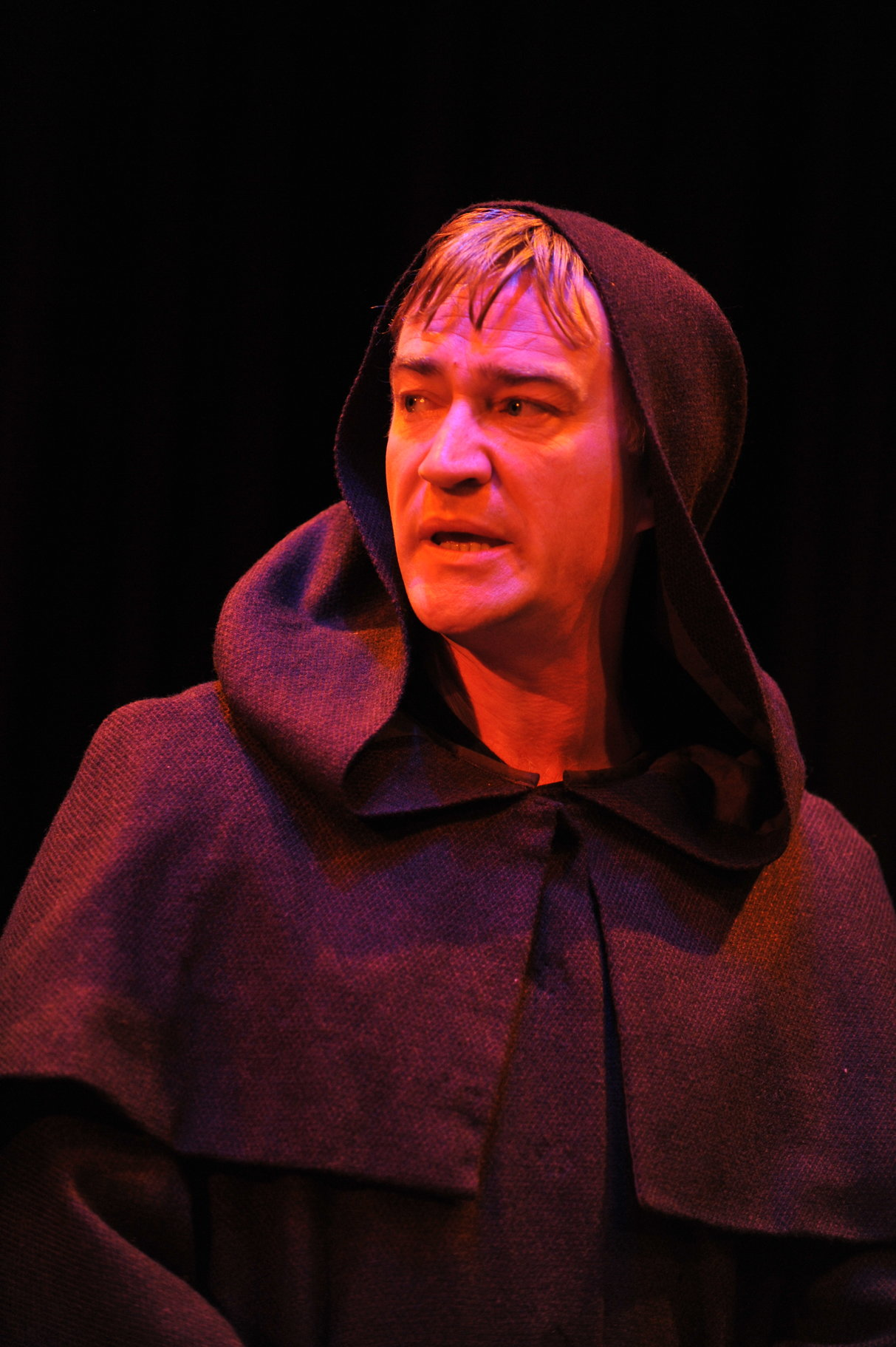 Measure for Measure_ 2011_ the disguised Duke_2011_Photo by Hugo Glendinning _c_ RSC_26161
