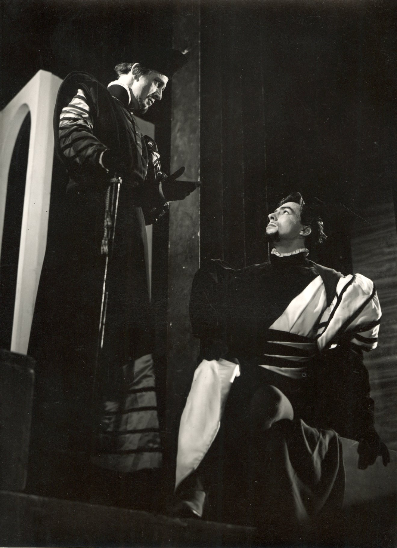 The Merchant of Venice_ 1947_ Antonio and Bassanio_1947_Photo by Angus McBean _c_ RSC_134740