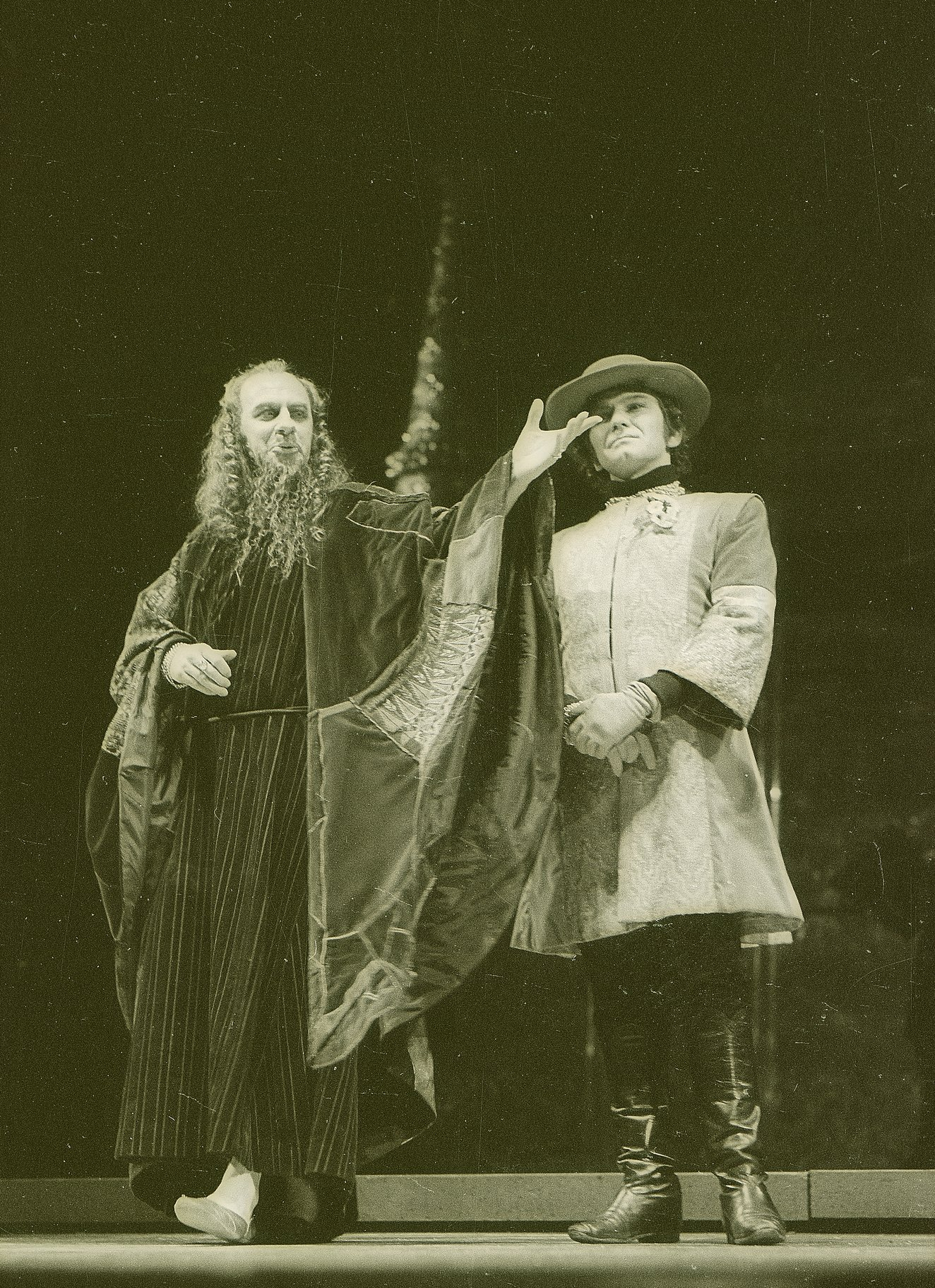 The Merchant of Venice_ 1971_ Shylock and Bassanio_1971_Photo by Reg Wilson _c_ RSC_74027