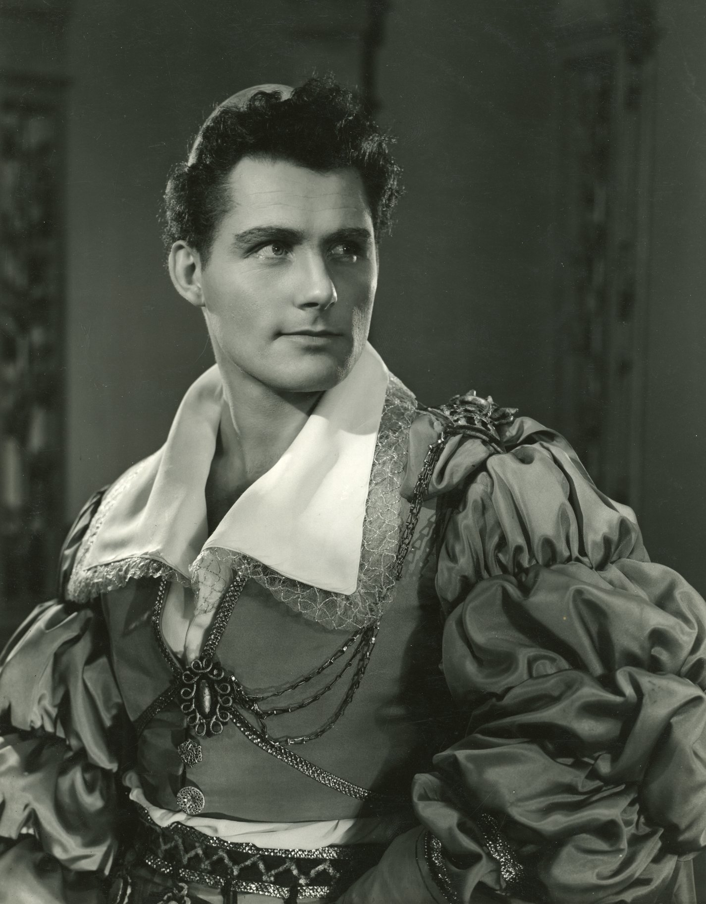 The Merchant of Venice_ 1953_ Robert Shaw as Gratiano_1953_Photo by Angus McBean _c_ RSC_214478