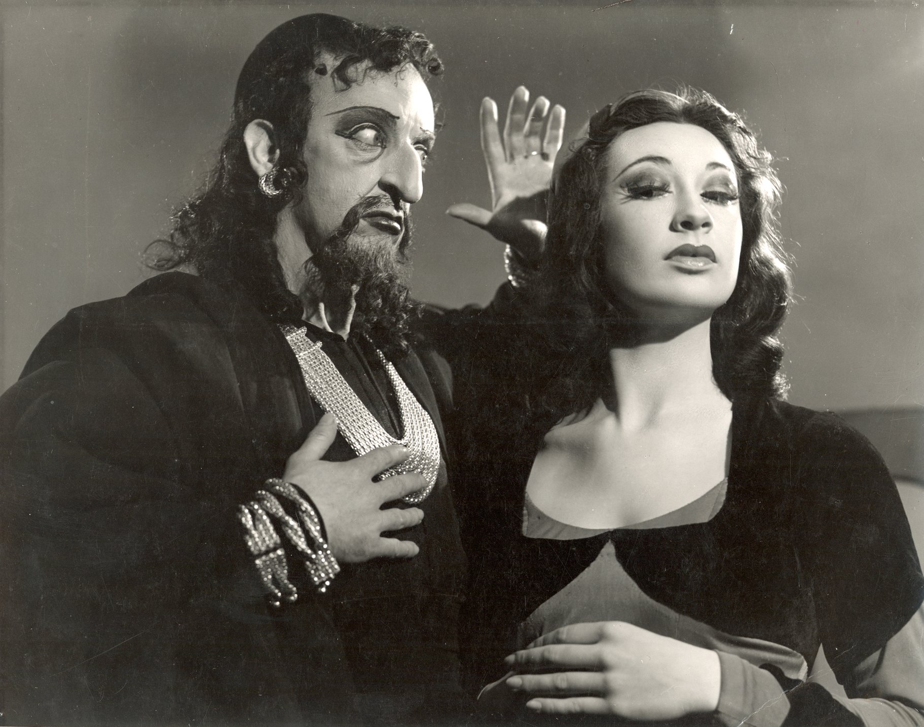 The Merchant of Venice_ 1948_  Shylock and Jessica_1948_Photo by Angus McBean _c_ RSC_135296