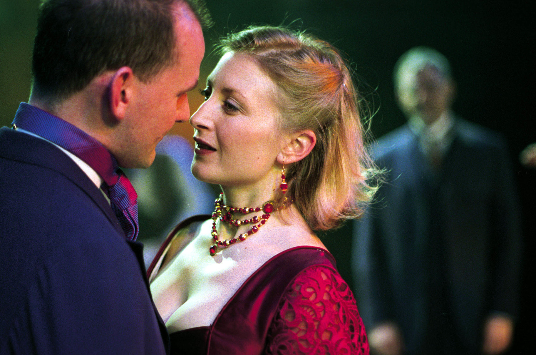 The Merchant of Venice_ 2001_ Bassanio and Portia_2001_Photo by Hugo Glendinning _c_ RSC_103664