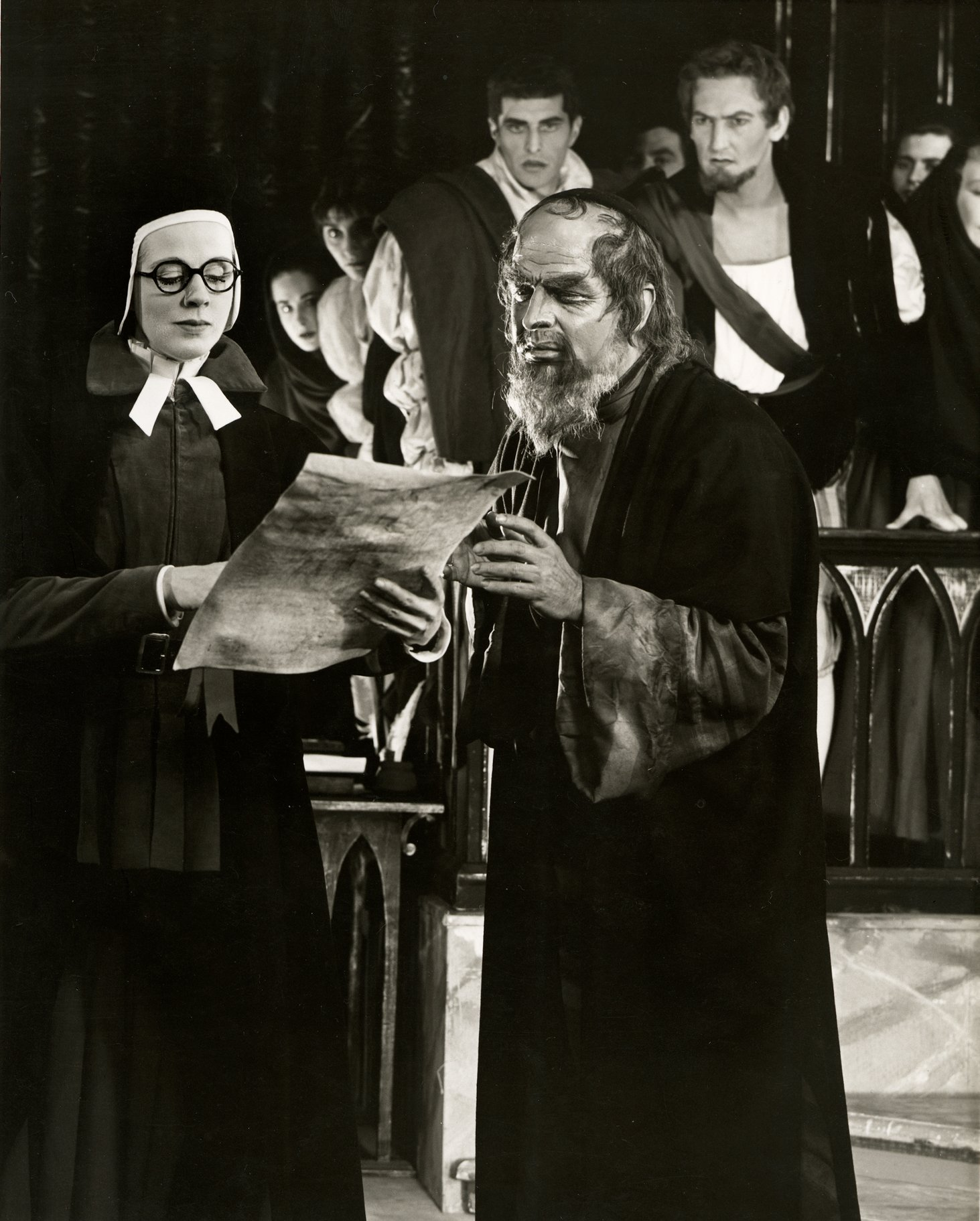 The Merchant of Venice_ 1956_ Portia and Shylock read the bond_1956_Photo by Angus McBean _c_ RSC_22884