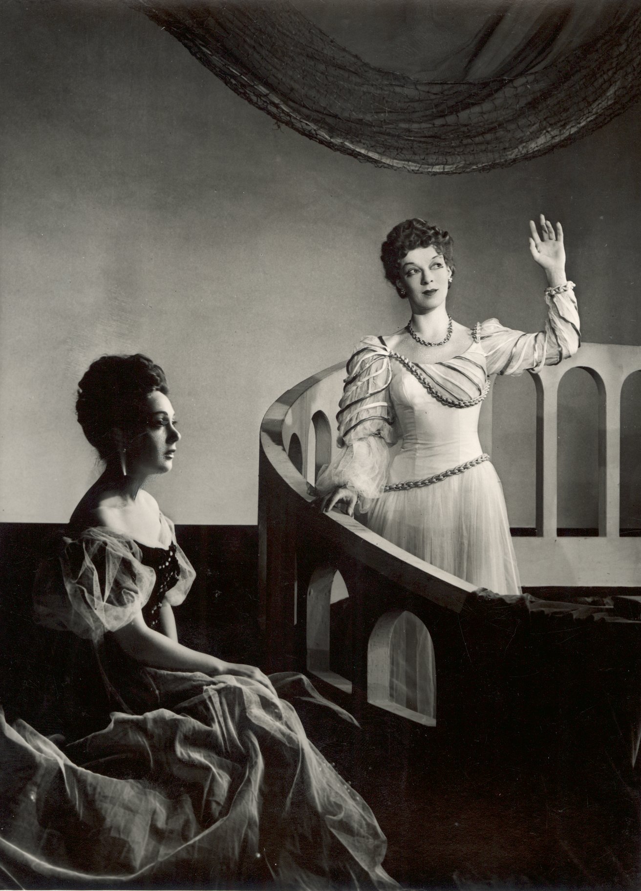 The Merchant of Venice_ 1947_ Portia and Nerissa_1947_Photo by Angus McBean _c_ RSC_134852