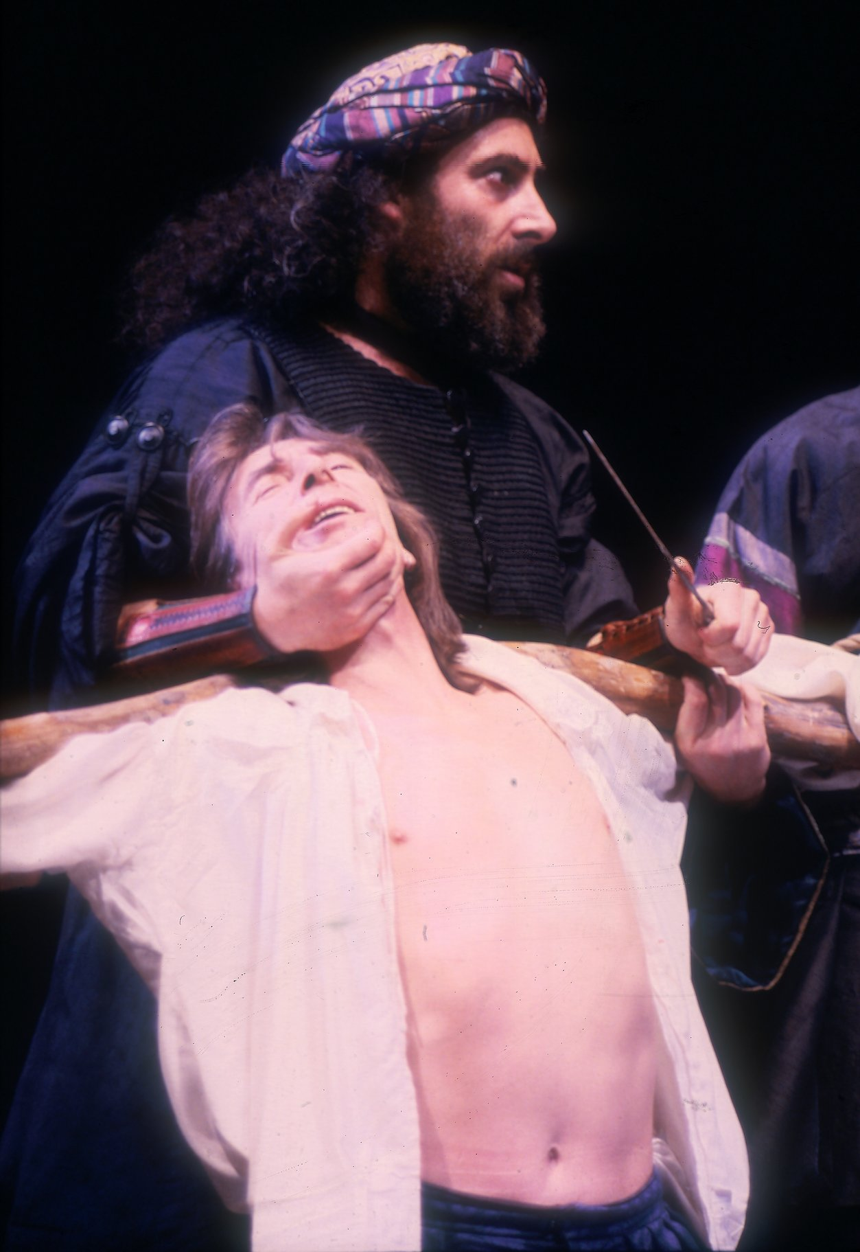 The Merchant of Venice_ 1987_ Shylock prepares to cut_1987_Photo by Reg Wilson _c_ RSC_75023