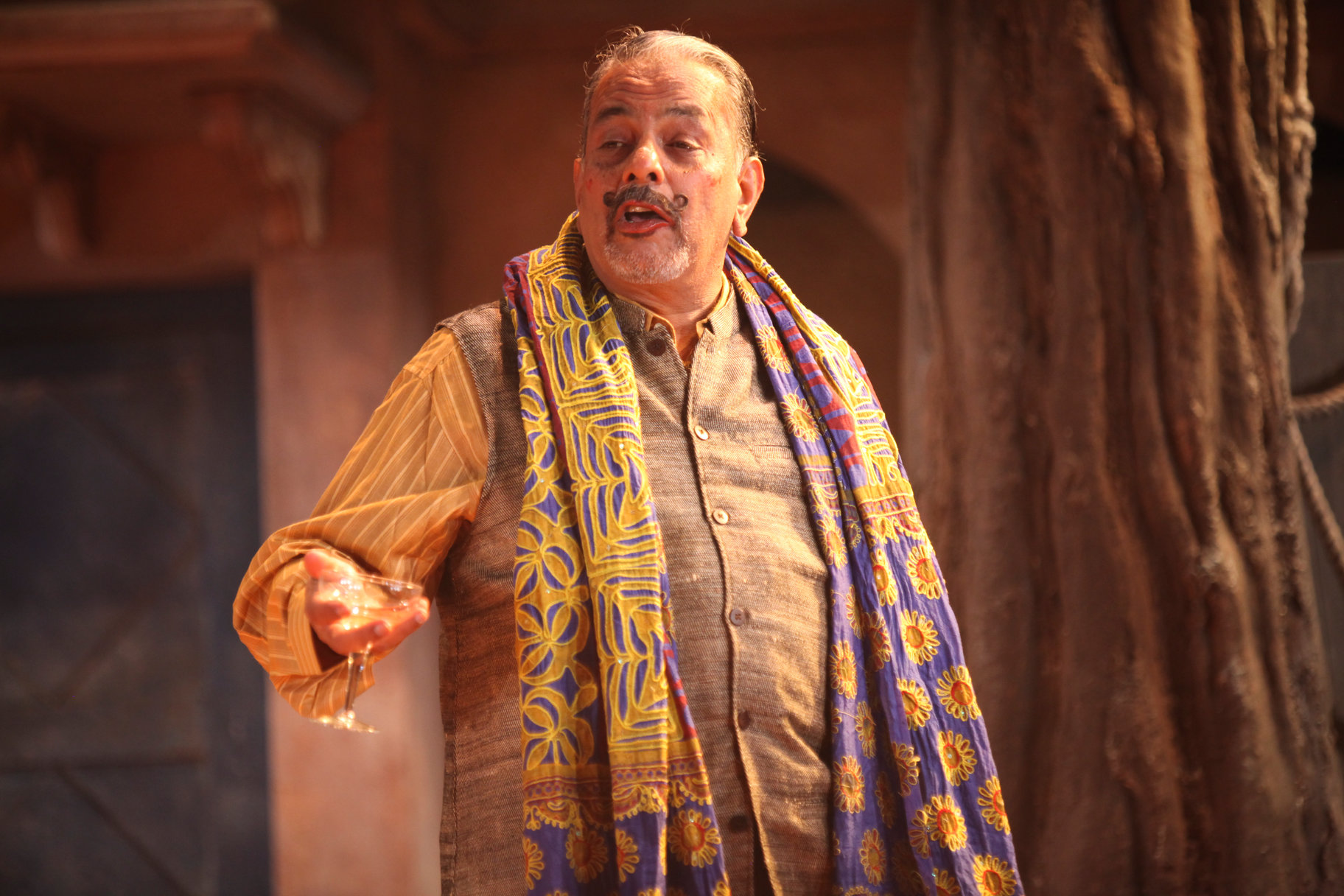 Madhav Sharma as Leonato.