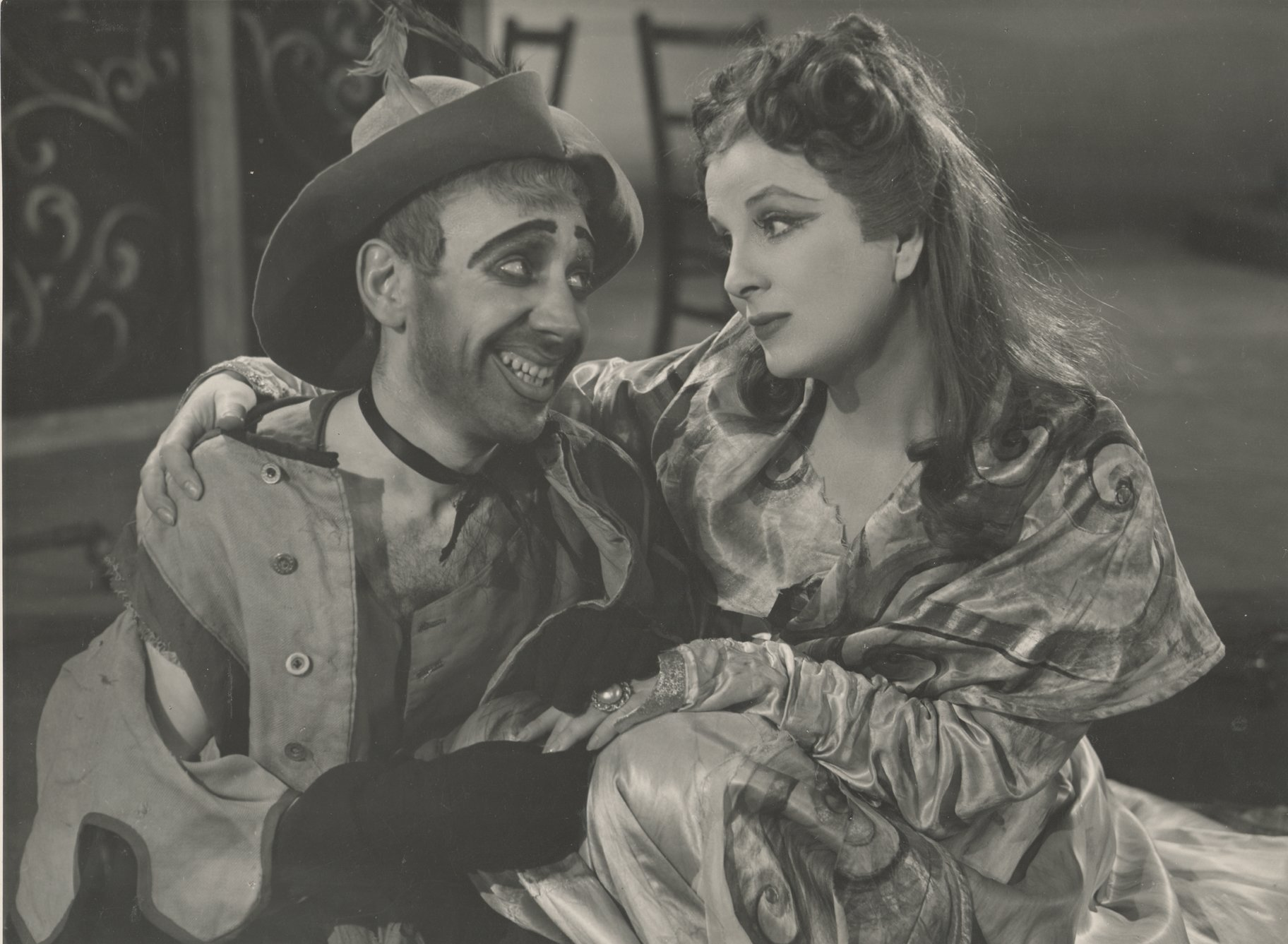 The Taming of the Shrew_ 1948_ Grumio and Katherina_1948_Photo by Angus McBean _c_ RSC_41042