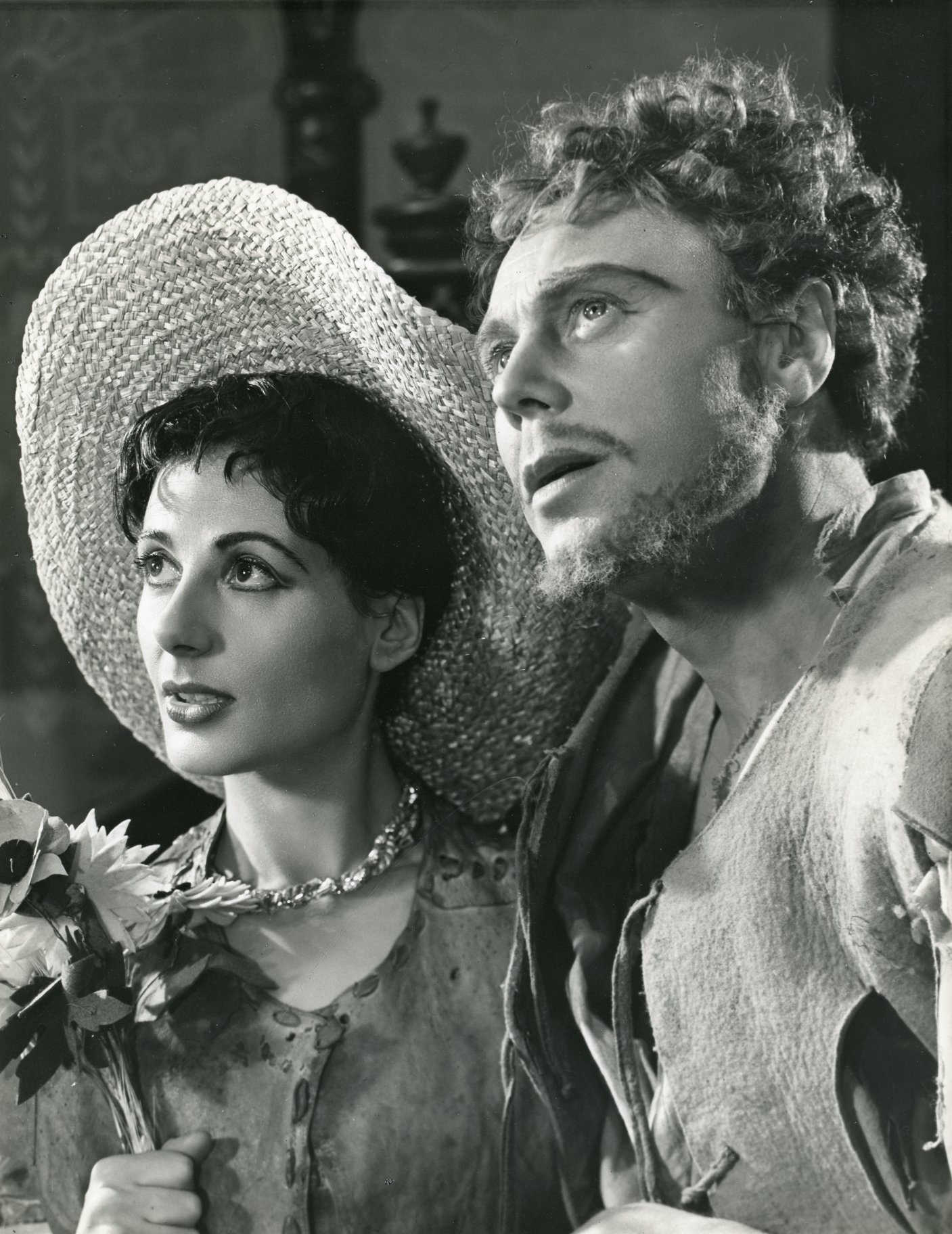 The Taming of the Shrew_ 1953_ Katherina and Petruchio_1953_Photo by Angus McBean _c_ RSC_215401