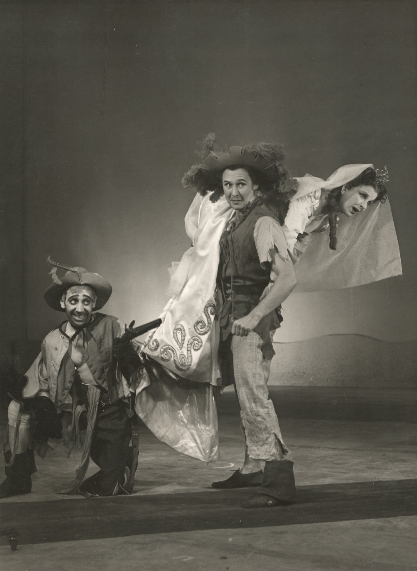 The Taming of the Shrew_ 1948_  Grumio_ Petruchio and Katherina_1948_Photo by Angus McBean _c_ RSC_41264