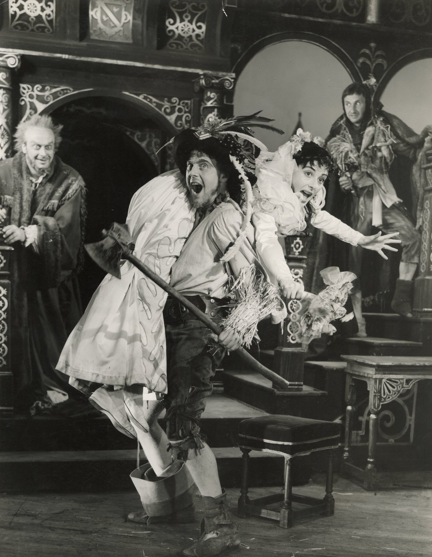 The Taming of the Shrew_ 1953_ Petruchio carries off Katherina_1953_Photo by Angus McBean _c_ RSC_42042