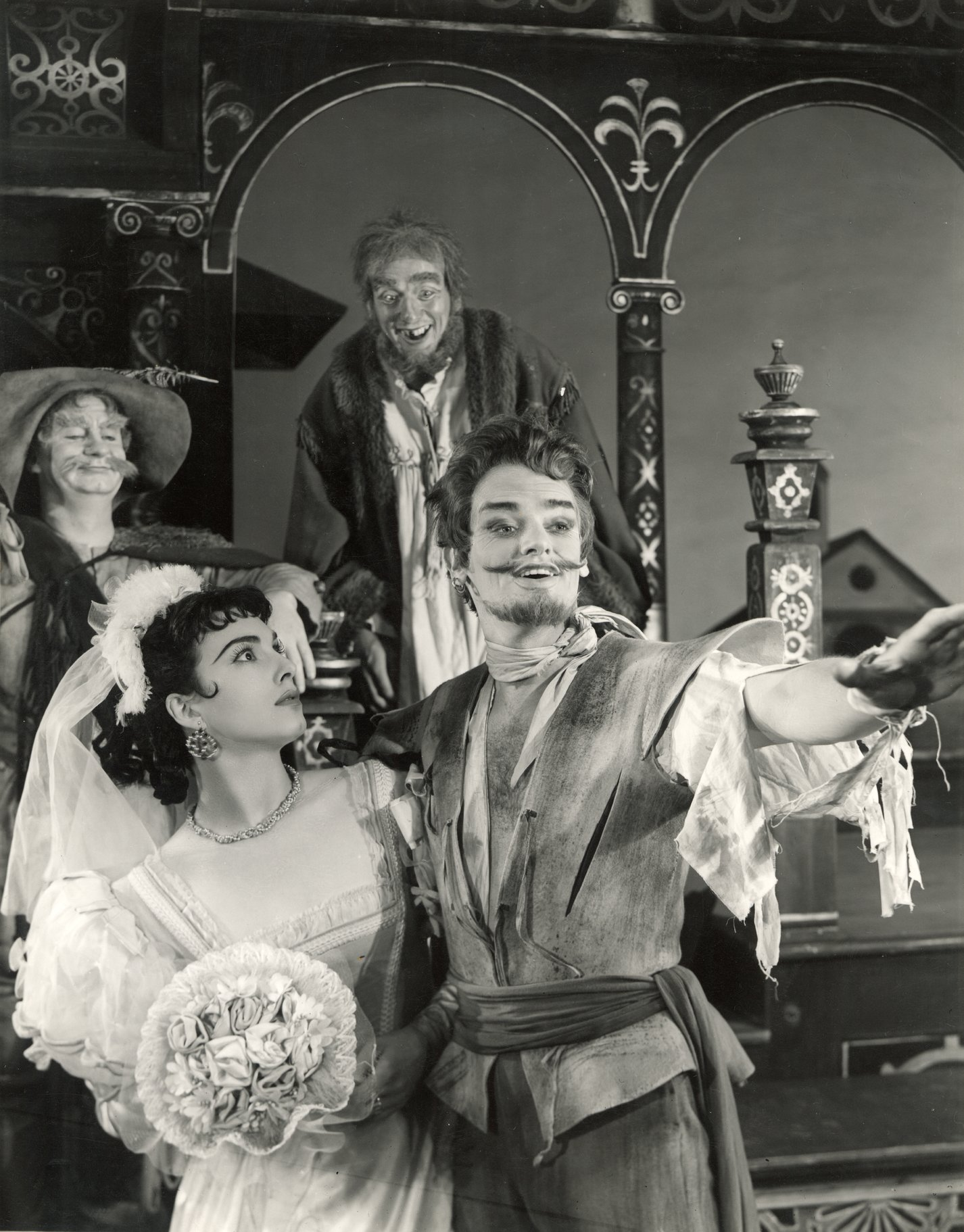 The Taming of the Shrew_ 1954_ Katherina and Petruchio marry_1954_Photo by Angus McBean _c_ RSC_63312