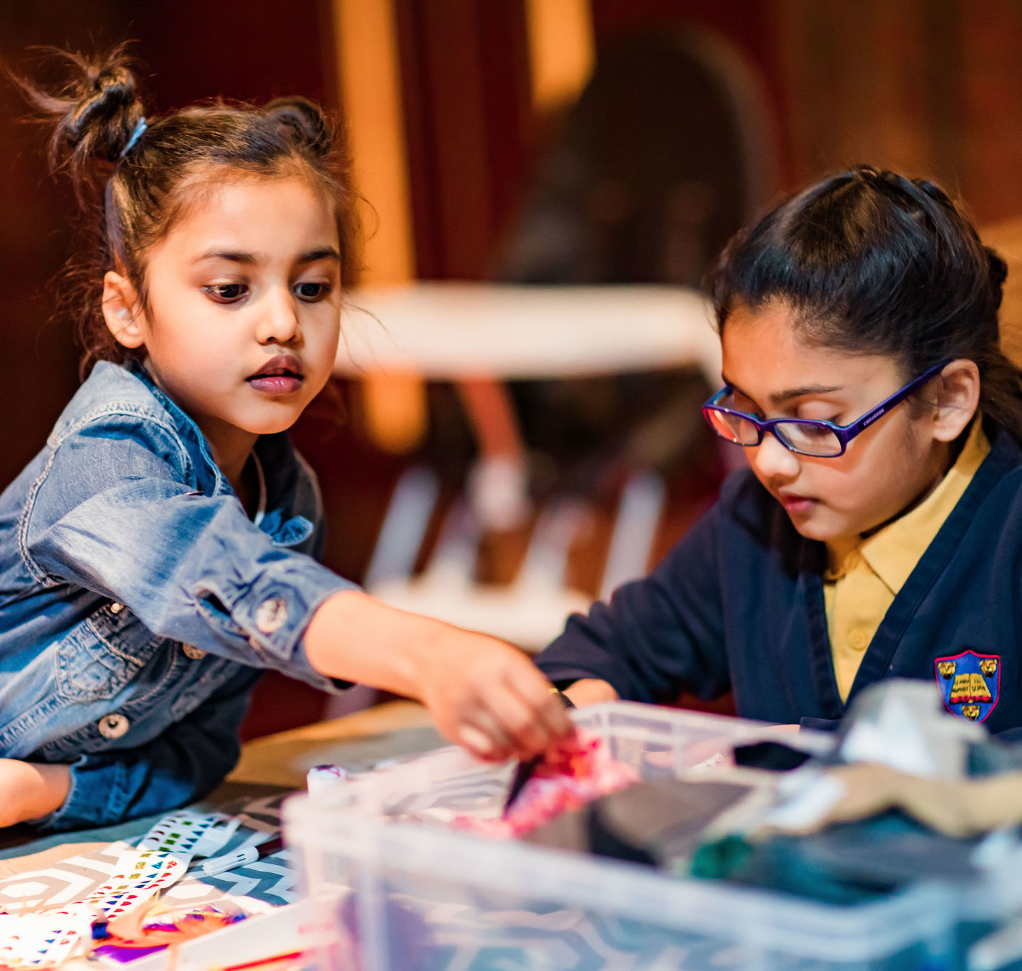Shakespeare_s Birthday 2019_ Children_s craft activities_ TOP_2019_Photo by Sam Allard _c_ RSC_292485