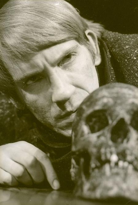Hamlet, 1965, directed by Peter Hall. David Warner as Hamlet.