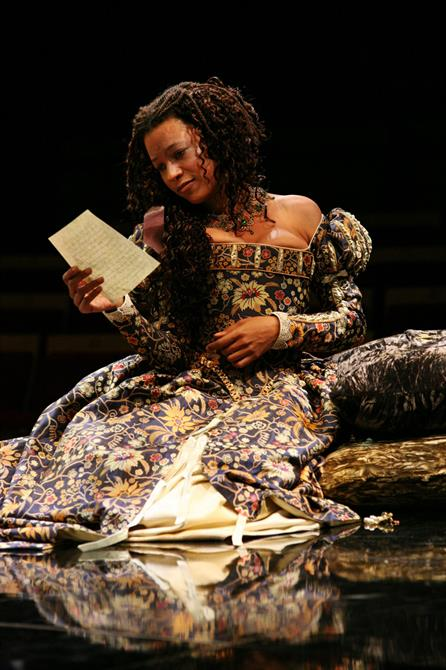 Love's Labour's Lost, 2008, directed by Gregory Doran. Rosaline (Nina Sosanya) reads Berowne's letter.
