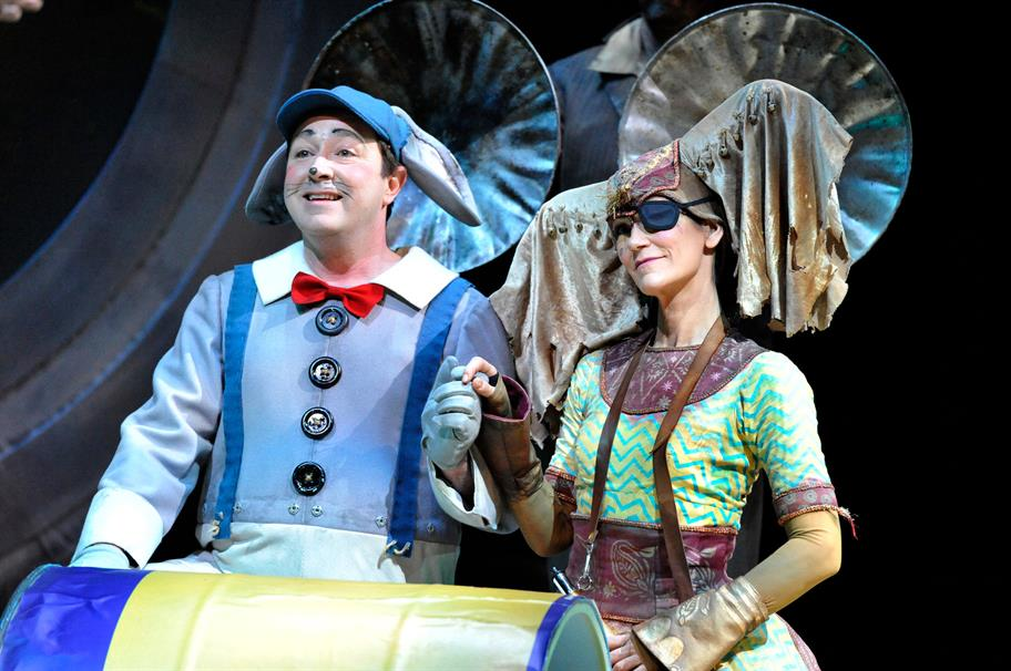 Man dressed as a blue mouse and a woman as an elephant