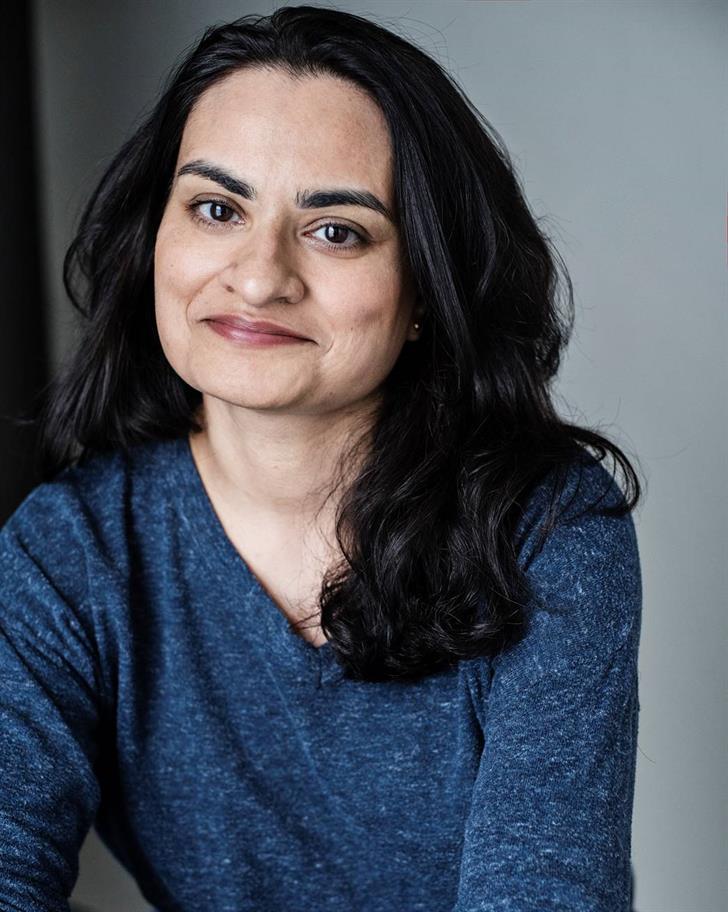 Amina Zia headshot