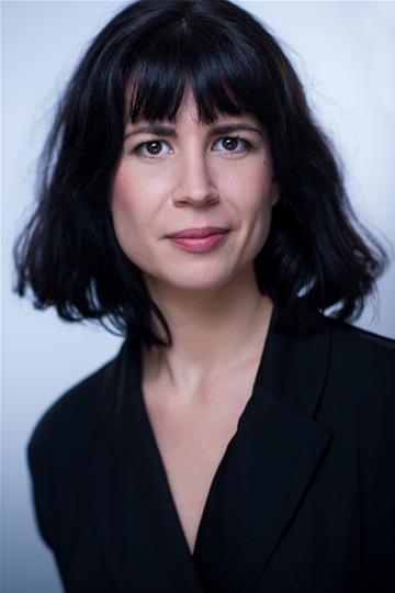 Esther McAuley headshot