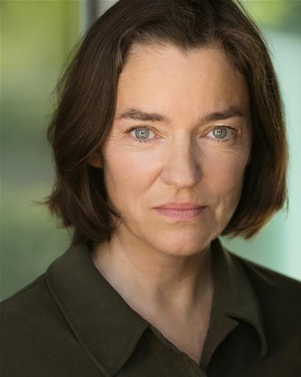 Helen Grady headshot